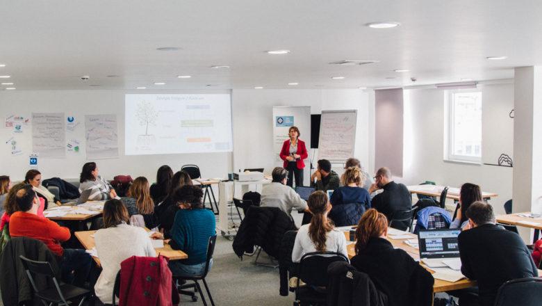 Εκπαίδευση στο συνεργατικό χώρο του Social Dynamo